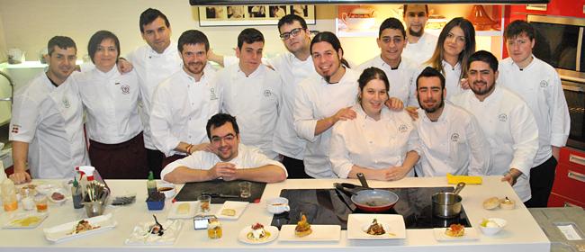 En la Escuela Aiala de Karlos Arguiñano con los alumnos del máster