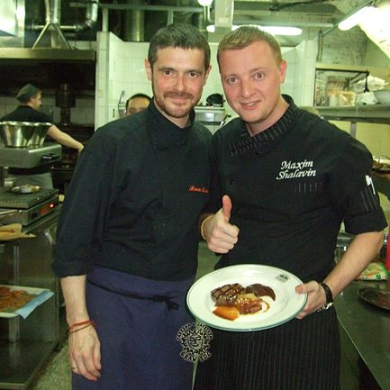 Maxim Shalavin, Jefe de Cocina del restaurante Stroganoff Steak House, que nos acogió en San Petersburgo